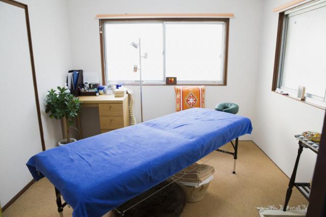 完全予約制・完全個室で、待ち時間なく、周りに気にせず安心して受けられます。